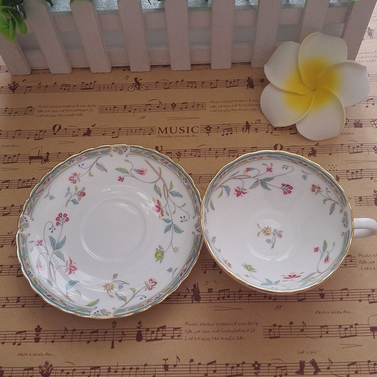 Classic Vintage Ceramic Tea Set