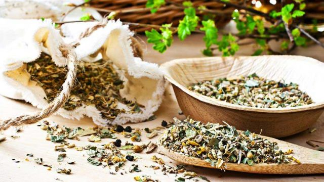 10 Reasons to Brew Tea Leaves Instead of Tea Bags