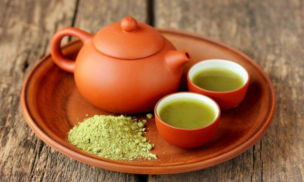 brewing green tea