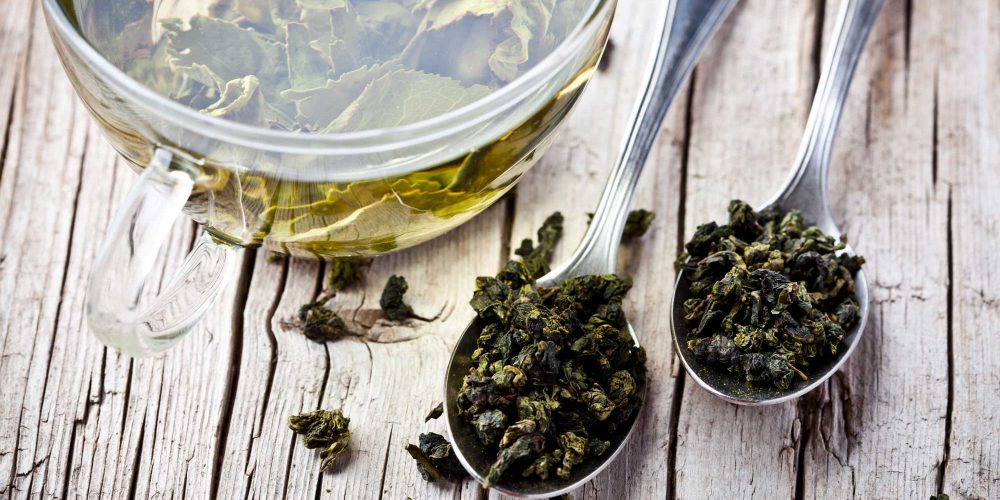 An Essential Guide to the Best Teas and Accessories for a Tea Lover's Gift Basket